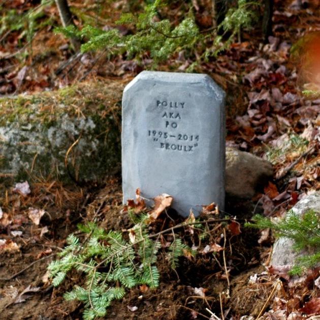J'ai fait sa pierre tombale avec mon papa.